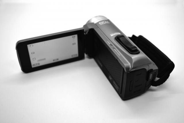 ビデオカメラで撮り溜めたAVCHDの動画をリビングのテレビで観る方法を調べてみました